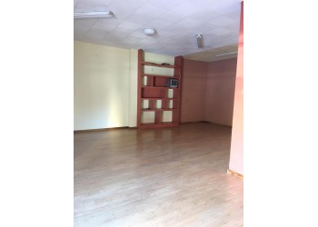 Se alquila local comercial en Cartagena